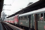 Re 4/4 II con Swiss Express