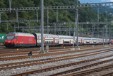 sguggiari.ch - FFS Re 460 084-7 con IC2000 a Bellinzona